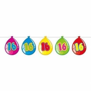 16 jaar slinger met kartonnen ballonnen 10 meter