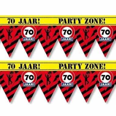 2x plastic markeerlinten vlaggetjes 70 jaar 12 meter feestartikelen