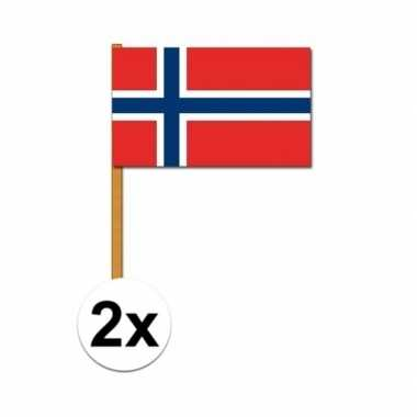 2x stuks noorse zwaaivlaggen
