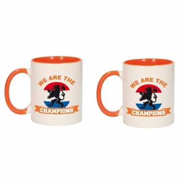 2x stuks we are the champions mok/ beker oranje wit 300 ml