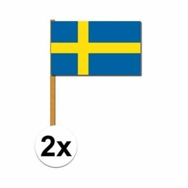 2x zweedse zwaaivlag