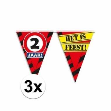 3x decoratie vlaggenlijn verkeersbord 2 jaar