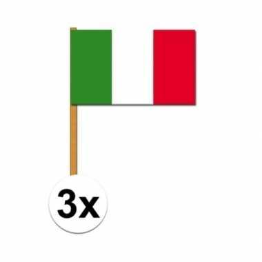 3x stuks italiaanse zwaaivlaggen