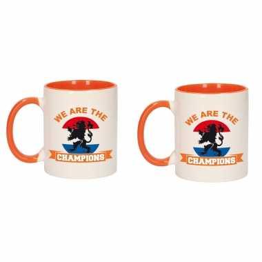 4x stuks we are the champions mok/ beker oranje wit 300 ml