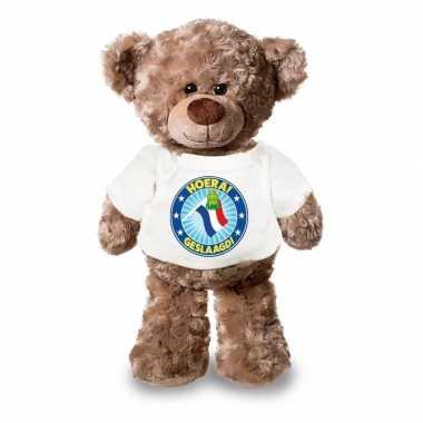 Eindexamen cadeau hoera geslaagd! knuffel beer wit shirt 24 cm