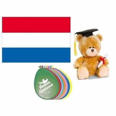 Geslaagd pakket met vlag teddybeer en ballonnen