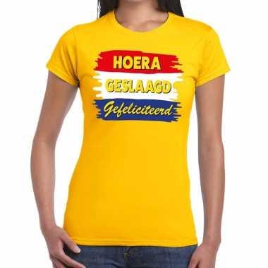 Hoera geslaagd gefeliciteerd t-shirt geel dames