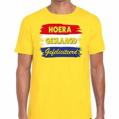 Hoera geslaagd gefeliciteerd t-shirt geel heren