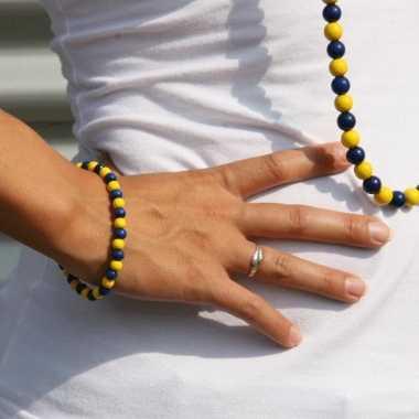 Houten kralen armband blauw met geel