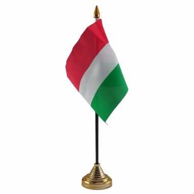 Polyester hongaarse vlag voor op bureau 10 x 15 cm