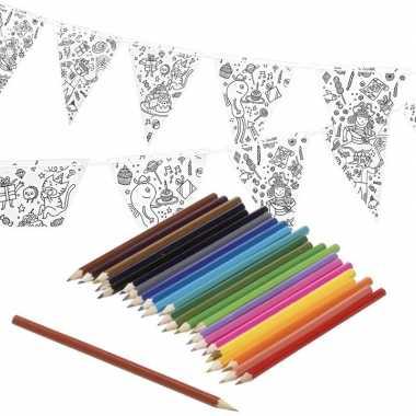 Vlaggetjes inkleuren incl. potloden voor kinderen