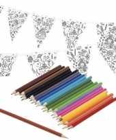 Vlaggetjes inkleuren incl potloden voor kinderen